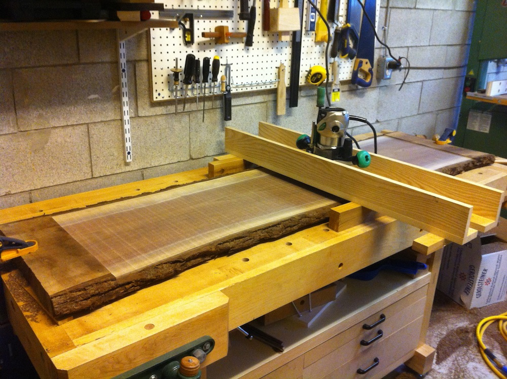 surfacing and thickness planing with a router making splinters. slab flattening router jig
