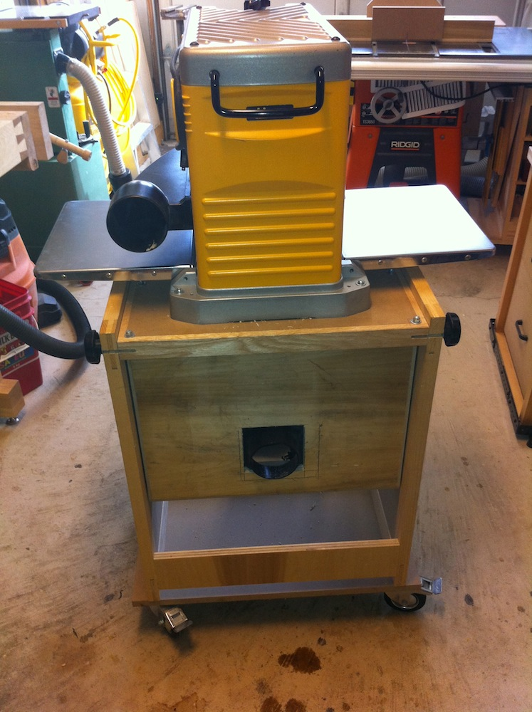how to build a flip top tool stand